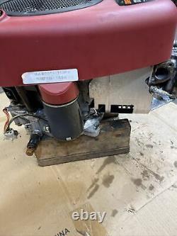 BRIGGS & STRATTON 17.5 Hp 31C707 0230E1 Gas Engine
