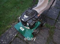 Billy Goat leaf Vacuum Briggs and Stratton four stroke engine