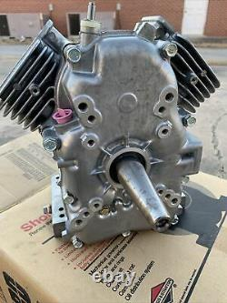 Briggs Stratton Vanguard Short Block Crankshaft Assembly 499542 351400 NEW 2cyl