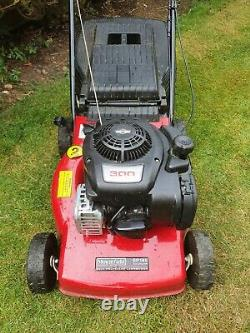Mountfield SP185 petrol lawn mower briggs and stratton engine