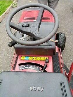 Murray ride on lawn mower(briggs & stratton 12hp)