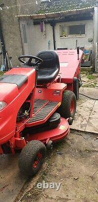 Ride On Mower Countax C800H Briggs & Stratton Engine 18hp V-twin 364 hours